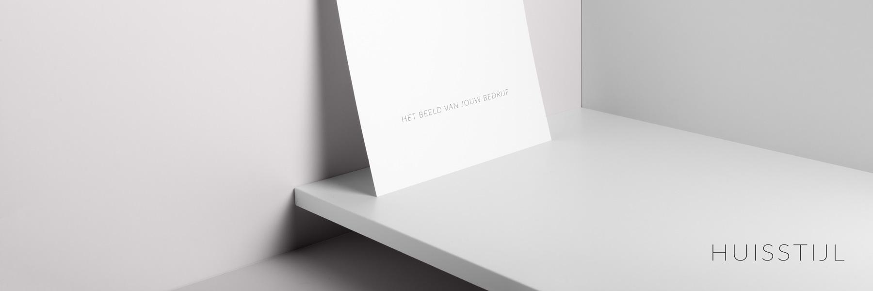 Grafisch zakelijk - huisstijl - logo, briefpapier, een website, producten en verpakkingen vormen de identiteit van het merk als geheel